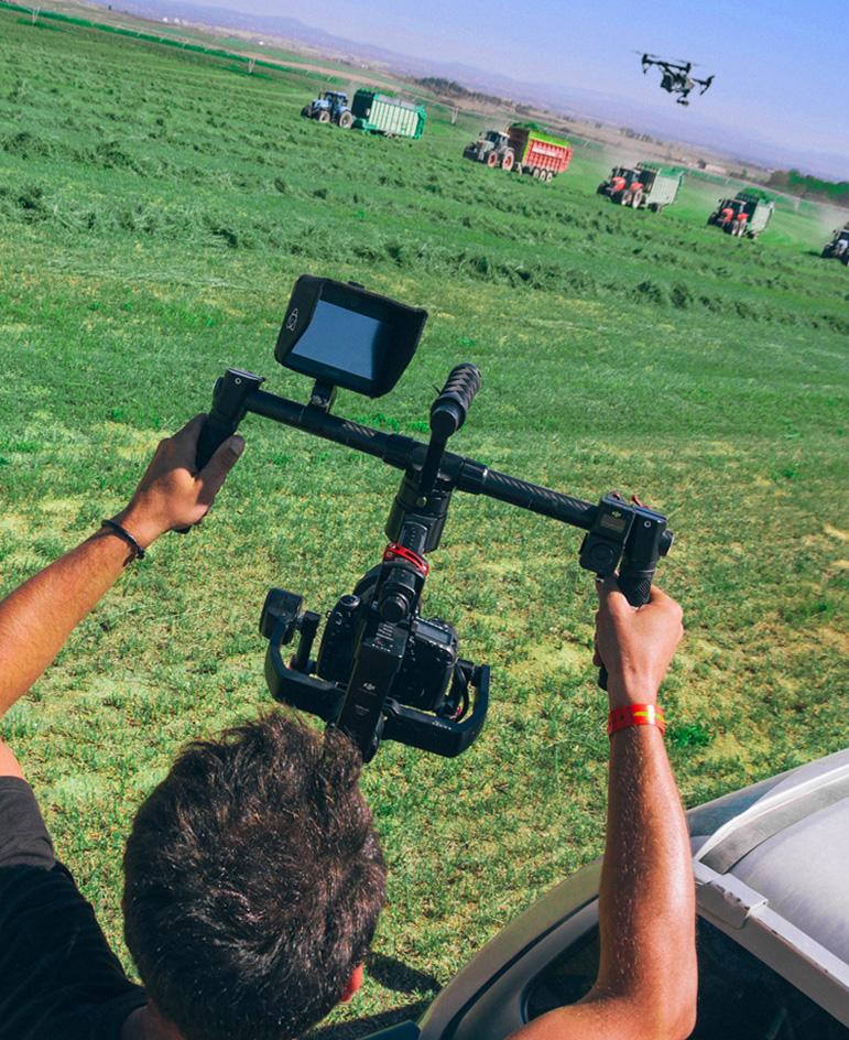 Se plantea un ambicioso vídeo corporativo que presente los grandes valores diferenciales de Nafosa como empresa líder del sector y que encaje por otra parte con el nuevo estilo y lenguaje corporativo planteado para la nueva comunicación.