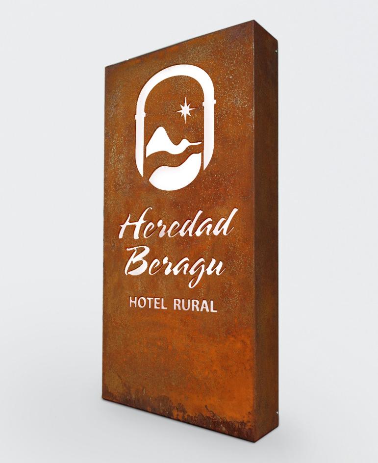 018_heredad-beragu-diseno-aplicaciones-especiales-rotulacion-hierro-luminosos-restaurante-hotel-rural-turismo