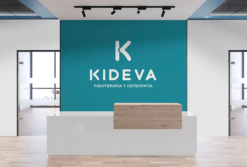Diseño y desarrollo de marcas logotipos y logos de imagen corporativa en el estudio de sieño gráfico en Pamplona Navarra País Vasco Lady Moustache comunicación