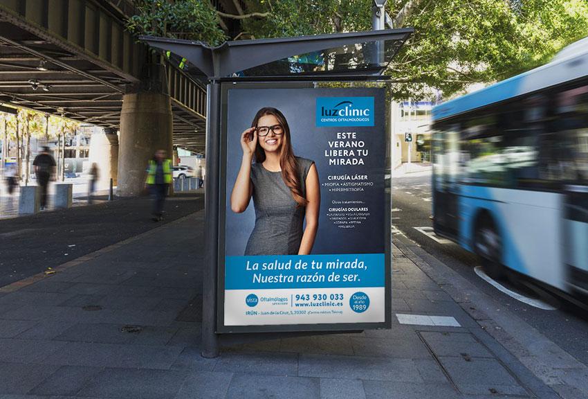 Campaña de publicidad y promociones de verano agencia de comunicación y publicidad en Navarra y euskadi en País Vasco Pamplona Iruña clínica oftalmológica